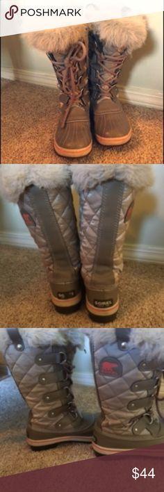 Sorel Snow Boots Athleta Athleta winter boots. Silver. Very warm. Sorel Shoes Winter & Rain Boots
