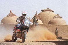 Gilles Lalay 3° alla Dakar 1988.