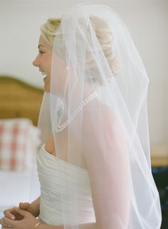 Wedding veil inspiration.  Photo by Carrie Patterson.   Keywords: #weddingveils #jevelweddingplanning Follow Us: www.jevelweddingplanning.com  www.facebook.com/jevelweddingplanning/