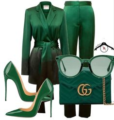 As much as I adore the color green, and I can't believe I'm saying this, but it might be a little too much green on green. I do love all the elements of the outfit, but probably not together. Classy Outfits, Stylish Outfits, Fashion Outfits, Fashion Trends, Stylish Eve, Fashion Bloggers, Fashion Tips, Love Fashion, Winter Fashion