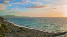 Booking.com: Europa Hotel , Rodos, Kreikka - 242 Asiakasarviot . Varaa hotellisi nyt! Varanasi, Celestial, Sunset, Beach, Water, Outdoor, Sunsets, Gripe Water, Outdoors