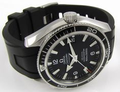 Omega Seamaster Planet Ocean Omega Seamaster Quartz, Omega Watches Seamaster, Omega Speedmaster, Seamaster Watch, Dream Watches, Sport Watches, Cool Watches, Watches For Men, Wrist Watches