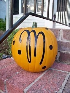 Personalized Pumpkin - perfect for the front door! made with cricut!! hmmm...