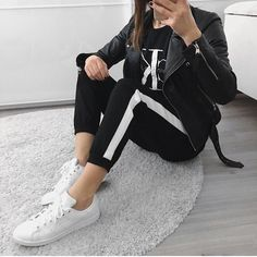 Calvin klein, tshirt, joggers, black, on, black, adidas, stan smith, zara, biker, jack, casual, fashion, outfit, inspiration, combinations, ootd, inspo, fashionista, instagram