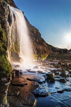 Waterfall at Kimmeridge Bay, Dorset, England. England Top, Dorset England, London England, Places To Travel, Travel Destinations, Places To Visit, London What To See, Dorset Holiday, Dorset Coast