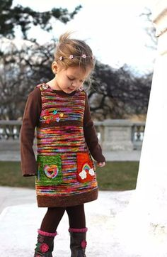 Diy Crafts - Ravelry: Green Apple pattern by Monika Sirna (take away the stupid pockets and buttons and it would be so cute for school! Ravelry, Crochet Baby Poncho, Knit Crochet, Baby Overall, Kids Poncho, Baby Pullover, Baby Cardigan, Knitting Designs, Baby Knitting Patterns