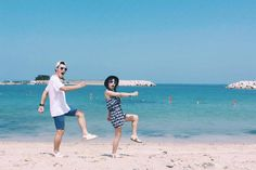 love Couple Photoshoot Poses, Pre Wedding Photoshoot, Couple Posing, Couple Photography, Photography Poses, Couple Ulzzang, Couple Beach, Korean Couple, Fashion Couple