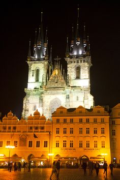 Old Town Square - Prague - Czech Republic. One of my favorite cities I've visited. Places Ive Been, Places To Go, Travel Pictures, Travel Pics, Prague Czech Republic, Old Town Square, Italy Vacation, Capital City, Home And Away