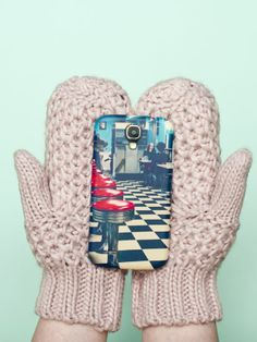 Print your Instagrams onto a cell phone case with @Sticky9!