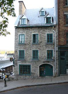 Maison Gervais-Beaudoin à l'angle de l'escalier du Casse-Cou