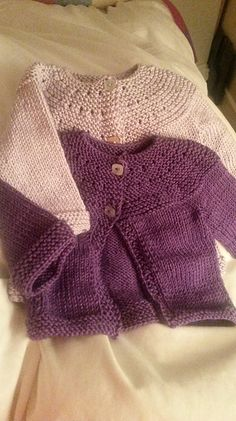 Free PDF Ravelry: Project Gallery for Gidday Baby pattern by Georgie Hallam Baby Cardigan Knitting Pattern Free, Baby Sweater Patterns, Crochet Baby Cardigan, Knit Baby Sweaters, Knitted Baby Clothes, Baby Knitting Patterns, Baby Patterns, Toddler Sweater, Baby Kind