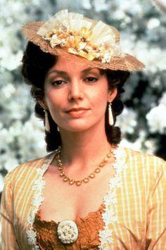 "Joanne Whalley - ""Scarlett"" (TV 1994) - Costume designer : Marit Allen"
