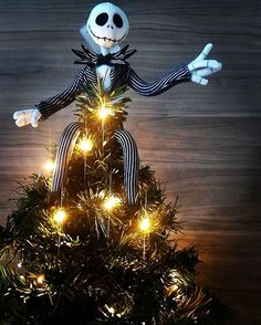 I know some of you were sad when Halloween ended, so how about Jack Skellington as a tree topper? We kinda love him!! This is adorable @pocahrontas! Thank you so much for sharing! #mydisneyhome #mydisneylife #disneyfan #mickey #disneydecor #disneylove #disneyforlife #disneyworld #disneylife #disneydecorations #disneyathome #homegoals #disneyland #wdw #waltdisneyworld #disneymerch #disneystyle #disneywayoflife #waltdisney #mickeymouse #disneyhome #christmas #christmastree…