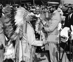 """2001 marks the forty‑seventh anniversary of the first visit to Oklahoma by a reigning foreign head of state. Haile Selassie, """"King of Kings, Conquering Lion of the Tribe of Judah, Elect of God, Emperor of Ethiopia"""" Bob Marley, History Of Ethiopia, All About Africa, Jah Rastafari, Haile Selassie, African Royalty, Tribe Of Judah, Africa Art, Lion Of Judah"""