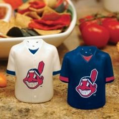 Cleveland Indians Gameday Jersey Salt And Pepper Shakers . $18.27