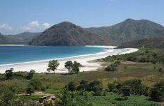 Wisata Populer Pantai Selong Belanak Lombok - http://www.idjoel.com/wisata-populer-pantai-selong-belanak-lombok-8642.html