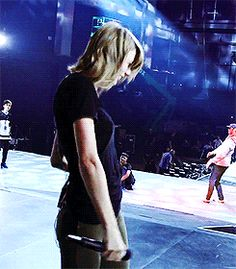 [2] Taylor rehearsing for the 1989 World Tour