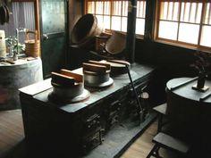 kitchen Japanese Style House, Japanese Home Decor, Japanese Kitchen, Rustic Kitchen Decor, Kitchen Interior, Interior And Exterior, Kitchen Design, Kitchen Wood, Irori