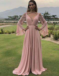 Prom Dresses Ball Gown, Long Prom Dresses, Beautiful Evening Party Dresses, from the ever-popular high-low prom dresses, to fun and flirty short prom dresses and elegant long prom gowns. Grad Dresses, Dresses Uk, Wedding Party Dresses, Homecoming Dresses, Evening Dresses, Fashion Dresses, Bridesmaid Dresses, Prom Outfits, Damas Rose
