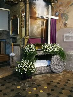 Grób Pański 2018 Krzczonów Maundy Thursday Worship, Church Altar Decorations, Easter Play, Catholic Altar, Easter Garden, Easter Season, Easter Flowers, Church Flowers, Kirchen