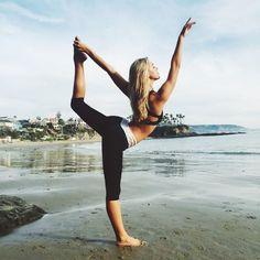 Beach yoga ♡