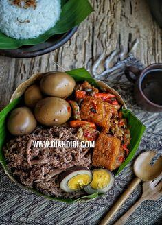 Dark Food Photography, Rustic Photography, Diah Didi Kitchen, Mango, Cook N, Nasi Lemak, Indonesian Cuisine, Asian Recipes, Ethnic Recipes