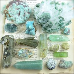 Wishing everyone sweet dreams ❤️ Crystals Minerals, Rocks And Minerals, Crystals And Gemstones, Stones And Crystals, Crystal Magic, Crystal Healing Stones, Crystal Aesthetic, Cool Rocks, Witch Aesthetic