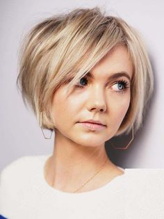 Classic Short Bob Haircuts for Women to Create in Year 2020 .-Classic Short Bob Haircuts for Women to Create in Year 2020 – Amy Classic Short Bob Haircuts for Women to Create in Year 2020 – - Inverted Bob Hairstyles, Curly Bob Hairstyles, Curly Hair Styles, Short Hairstyles For Thin Hair, Bob Haircut Curly, Hairstyles 2016, Vintage Hairstyles, Girls Short Hair Styles, Short Length Hairstyles