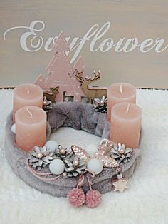 Creating a Rustic Winter Christmas Centerpiece can be easier than you think. Come see these creative ideas for creating your own Rustic Winter Centerpiece! Rose Gold Christmas Tree, Christmas Advent Wreath, Xmas Wreaths, Christmas Mood, Noel Christmas, Christmas Candles, Rustic Christmas, Christmas Crafts, Christmas Fashion