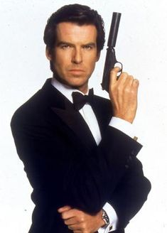 Google Image Result for http://www.toptenz.net/wp-content/uploads/2012/10/pierce-brosnan-james-bond.jpg