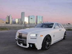Rolls-Royce Ghost, Pimped-Out Chrysler 300 Srt8, Chrysler 300s, Chrysler Jeep, Cool Sports Cars, Super Sport Cars, Cool Cars, Chrysler Voyager, Mopar, Voiture Rolls Royce