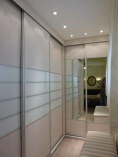 שיפוץ דירת גג ברעננה - אורלי אלירז וילנסקי - אדריכלות ועיצוב פנים חדר ארונות פתוח אל חדר השינה