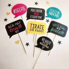 Funny idea for end of year photos. Diy Fest, Adult Party Themes, Happy Birthday, Birthday Parties, Ideas Para Fiestas, Party Props, Photo Booth Props, Party Time, Diy And Crafts
