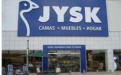 Gode tilbud til Spanien. Den 3. april 2009 åbner Dänisches Bettenlager i Spanien i Ondara og Gandia ved Valencia samt i Cartagena ved Murcia. Allerede i 1999 indledte JYSK Franchise dog et samarbejde med møbelbutikken Muebles Piramides Puerto i Spanien ved Malaga om salg af skandinaviske møbler.