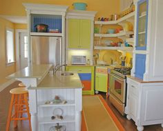 Kitchen-Cabinet-Reface-with-Vibrant-Colors1.jpg (570×459)
