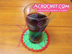http://blog.acrochet.com/tutorial/posavasos-tricolor-video-tutorial.html