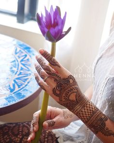A couple of years ago but still love this image. Henna by me Model @nicolemalm #tropical #waterlily #henna #mehndi #gorimehndiwali  #oakland #bayarea #bayareahenna #mehndiartist #hennainspire #hennalounge #hennaguru