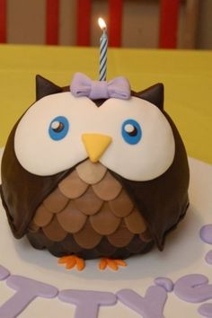owl cake: fondant detailing? need to practice.