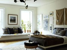 Nice bedroom layout with sitting nook