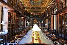 Panoràmica de la Biblioteca de l'Ateneu Barcelonès, via Flickr.