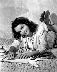 40 Vintage Photos Showing Elizabeth Taylor's Beauty in Her Teen Years in the 1940s