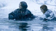Game of Thrones: Alfie Allen (Theon Greyjoy) and Sophie Turner (Sansa Stark) for season 6 Game Of Thrones Images, Game Of Thrones Tv, Daenerys Targaryen, Cersei Lannister, Margaery Tyrell, Sansa Stark, Winter Is Here, Winter Is Coming, Khal Moro