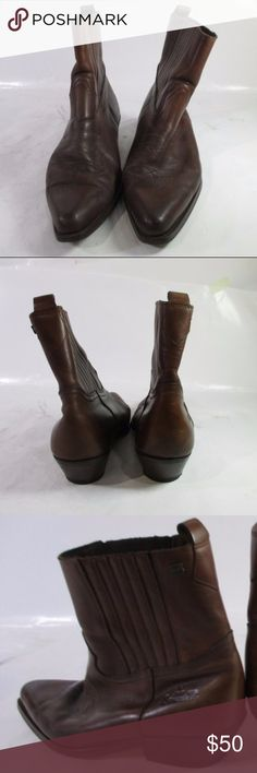 "Joe Sanchez Men's Cowboy Boots, Size - 9.5 Description: Joe Sanchez Men's Wedge Boots, Size 42.  Please, see photos for details.   Measurement: Approx. inside length 10 1/2""; width 3 3/4"" and height 8 1/2"".   Color: Brown   Notes: Made in Spain. Joe Sanchez Shoes Boots"