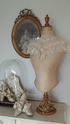 Lace and Pearls Shabby Chic Antiques, Vintage Shabby Chic, Vintage Beauty, Vintage Decor, Shabby Chic Decor, Dress Form Mannequin, Vintage Mannequin, Vintage Dresses, Vintage Outfits
