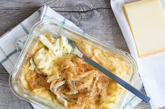 Hier kommt DIE Alternative zu den herkömmlichen Käsespätzle! Diese Low CarbKäsespätzle Variante schmeckt einfach toll. Ausprobieren!