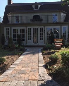 Make an impression for your guests. Cambridge Pavingstones with ArmorTec will be sure to be the envy of your guests. Installation: Gold Coast Pavers