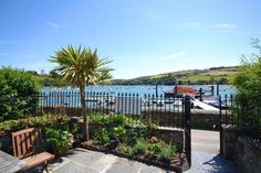 5 Victoria Place - the private patio overlooking the estuary