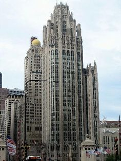 Chicago Tribune Tower, by Howells and Hood, The result of an international competition. Chicago Tribune, Chicago Illinois, Chicago Usa, Visit Chicago, Chicago Travel, Chicago School, Famous Buildings, My Kind Of Town, Parthenon