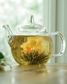 Beautiful and delicious! A glass teapot is friggin perfect for this!