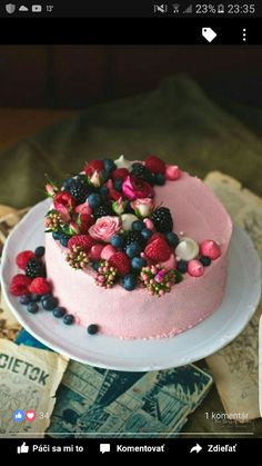 Juicy summer cakes to melt away - Kuchen // Süßes // Dessert - kuchen Pretty Cakes, Beautiful Cakes, Amazing Cakes, Gorgeous Gorgeous, Beautiful Desserts, Food Cakes, Cupcake Cakes, Fruit Cakes, Fresh Fruit Cake